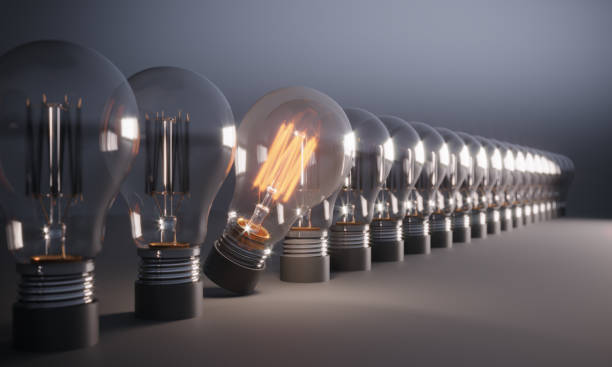 Glowing Light Bulb Standing Out From the Crowd:スマホ壁紙(壁紙.com)
