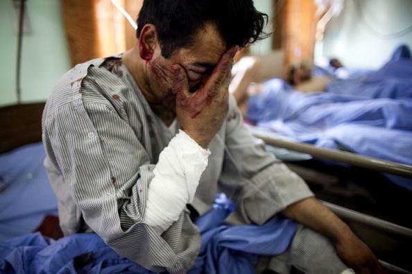 Kabul「Civilians Killed As Suicide Bomber Targets Central Kabul」:写真・画像(1)[壁紙.com]