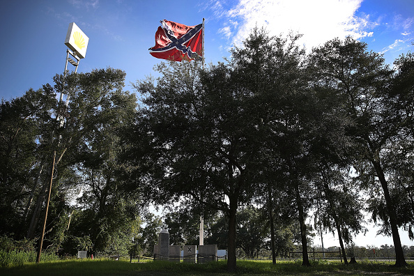USA「Monuments To The Confederacy In Question As Cities Across Country Debate Taking Them Down In Wake Of Charlottesville」:写真・画像(2)[壁紙.com]