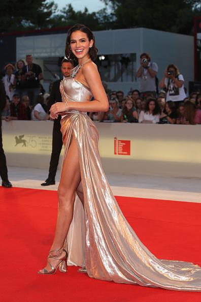 Bruna Marquezine「The Sisters Brothers Red Carpet Arrivals - 75th Venice Film Festival」:写真・画像(19)[壁紙.com]