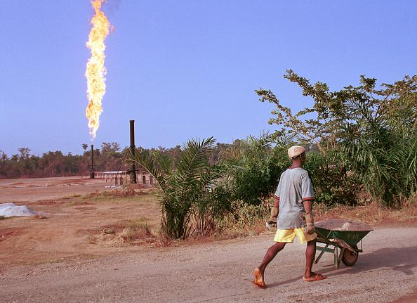 輝いている「Nigerian Oil Feature」:写真・画像(1)[壁紙.com]