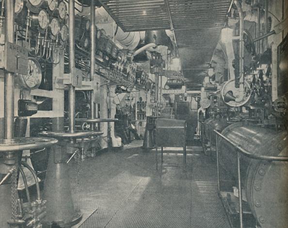 Passenger Craft「Forward Engine-Room Of The Empress Of Britain」:写真・画像(4)[壁紙.com]