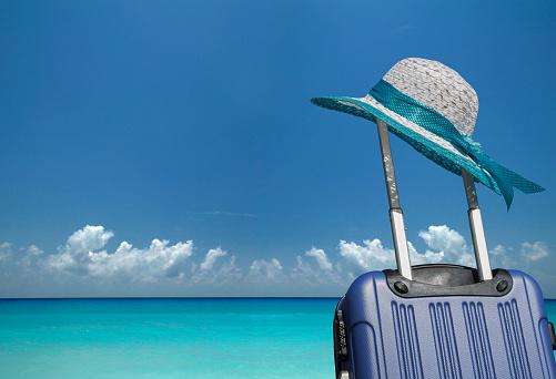 Miami Beach「Beach hat on a suitcase on the beach」:スマホ壁紙(14)