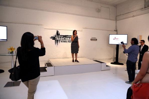 Jose Lopez「Launch Of The Jose Cuervo Tradicional Mural Project」:写真・画像(2)[壁紙.com]