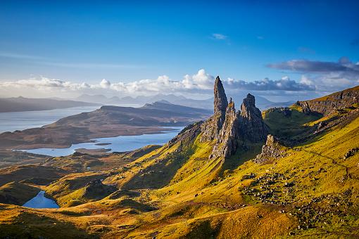 島「ストールの老人、スカイ島、スコットランドの老人を見渡す」:スマホ壁紙(2)