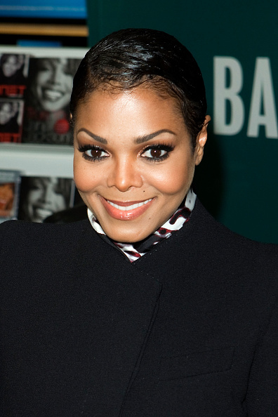 "Eyeshadow「Janet Jackson Signs Copies Of ""True You: A Guide To Finding And Loving Yourself""」:写真・画像(4)[壁紙.com]"