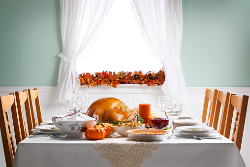 Place Setting「Turkey As Centerpiece For A Thanksgiving Feast」:スマホ壁紙(1)