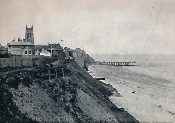 Coastal Feature「Cromer - Showing The Church On The Cliffs」:写真・画像(9)[壁紙.com]