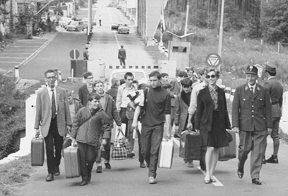 20th Century「Fleeing The Soviets」:写真・画像(12)[壁紙.com]