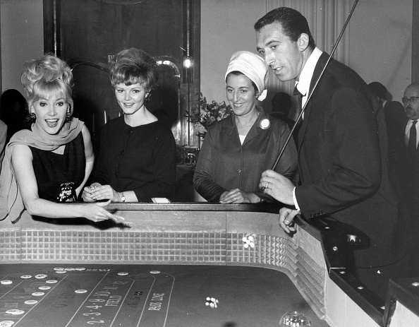 Nightlife「Golden Gamblers」:写真・画像(13)[壁紙.com]