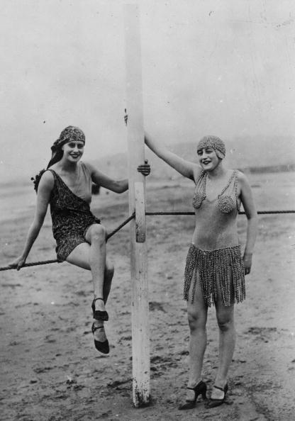 水着「Bathing Suits」:写真・画像(4)[壁紙.com]