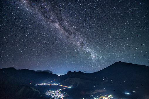 Volcanic Landscape「Mount Rinjani at night, West Nusa Tenggara, Indonesia」:スマホ壁紙(14)