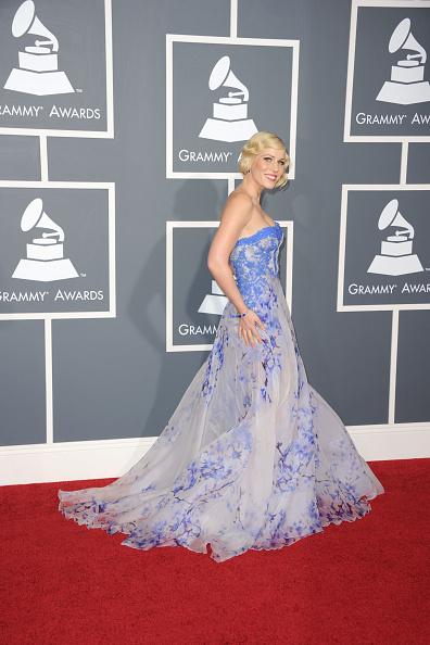Strapless Dress「The 53rd Annual GRAMMY Awards - Arrivals」:写真・画像(10)[壁紙.com]