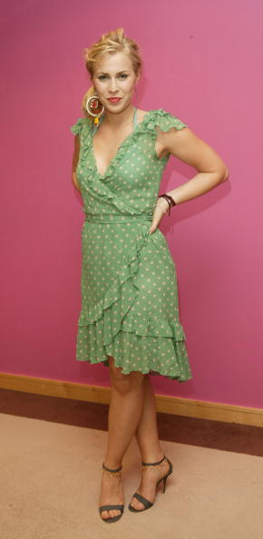 Oxford Street「Natasha Bedingfield - In-Store Appearance」:写真・画像(14)[壁紙.com]
