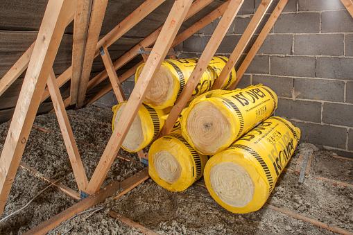 Insulation「Loft insulation in roof space.」:スマホ壁紙(17)