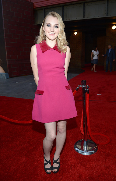 Evanna Lynch「The Wizarding World of Harry Potter Diagon Alley Red Carpet Arrivals」:写真・画像(6)[壁紙.com]