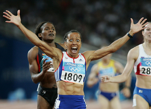 Athens - Greece「Kelly Holmes GBR wins Olympic Gold Women's 800 Metre Final Athens  2004」:写真・画像(11)[壁紙.com]