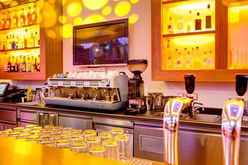 Bank Counter「Coffee machine in a bar」:スマホ壁紙(0)