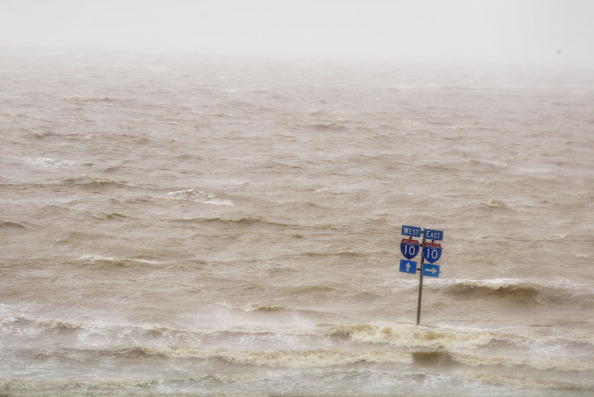 Gulf of Mexico「Gulf Coast Cleans Up After Hurricane Ivan」:写真・画像(17)[壁紙.com]