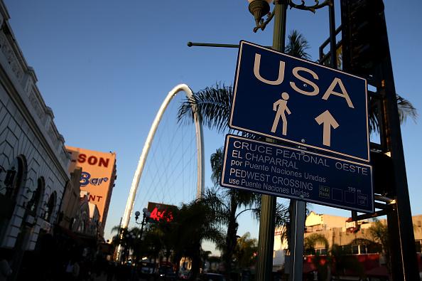 Baja California Peninsula「Trump Vows To Build Border Wall Between Mexico And The U.S.」:写真・画像(19)[壁紙.com]