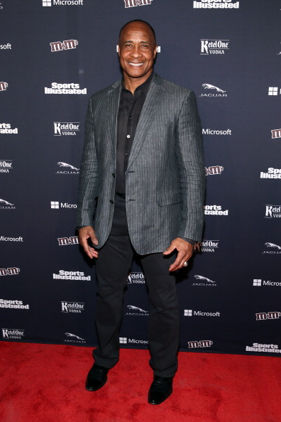 Architectural Feature「Sports Illustrated MVP Night With Lynn Swann And Jaguar At The Diageo Liquid Cellar」:写真・画像(15)[壁紙.com]