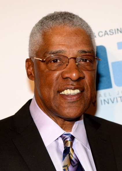 Julius Erving「13th Annual Michael Jordan Celebrity Invitational Gala At ARIA Resort & Casino」:写真・画像(4)[壁紙.com]