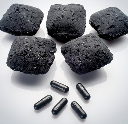 Briquette「Charcoal and pills」:スマホ壁紙(9)