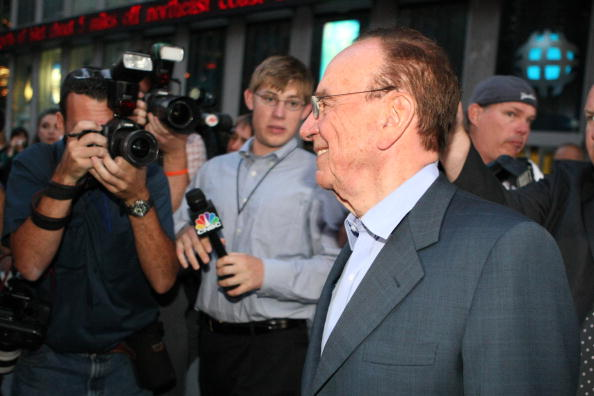 Dow Jones Industrial Average「Bancroft Family Agrees To Sell Dow Jones To Murdoch」:写真・画像(7)[壁紙.com]