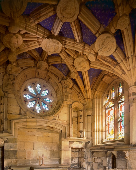 Glass - Material「Tynemouth Priory, Tyne and Wear, c2000s(?)」:写真・画像(5)[壁紙.com]