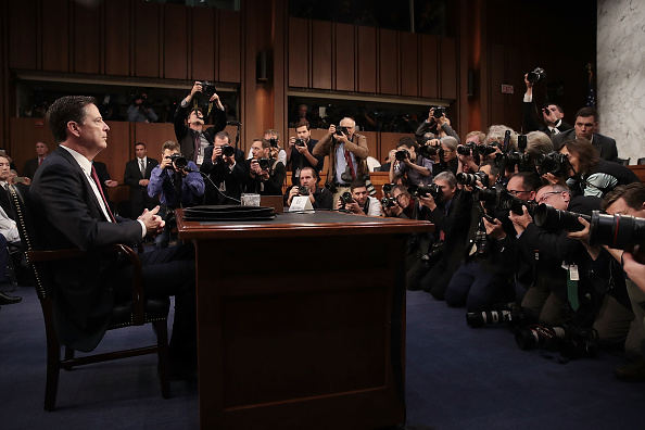 Drew Angerer「James Comey Testifies At Senate Hearing On Russian Interference In US Election」:写真・画像(16)[壁紙.com]