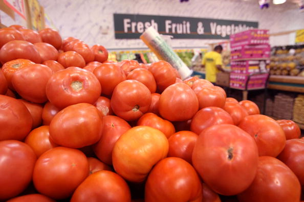 Tomato「Salmonella Outbreak From Raw Tomatoes Sickens People In 16 States」:写真・画像(0)[壁紙.com]