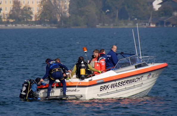 Capsizing「One Person Missing After Accident During Film Shoot」:写真・画像(12)[壁紙.com]