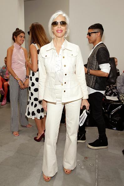 White Jacket「Proenza Schouler - Front Row - September 2016 - New York Fashion Week」:写真・画像(0)[壁紙.com]