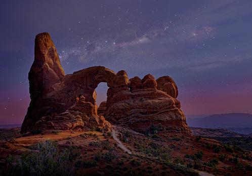 star sky「窓岩アーチズ国立公園に。」:スマホ壁紙(9)