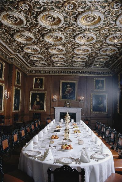 Table「Longleat Banquet」:写真・画像(1)[壁紙.com]