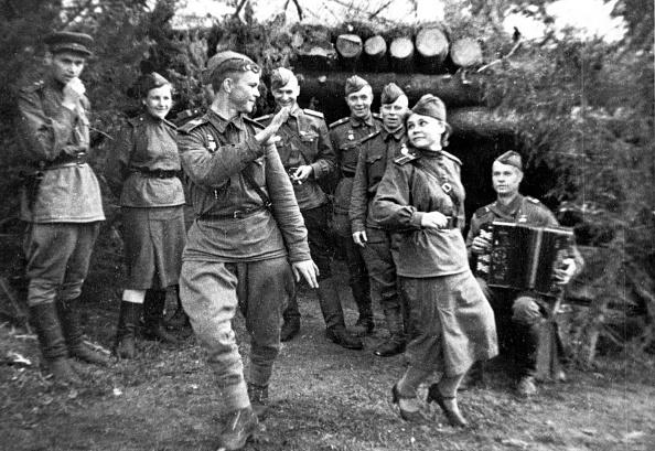 Musical instrument「Dancing Troops」:写真・画像(3)[壁紙.com]