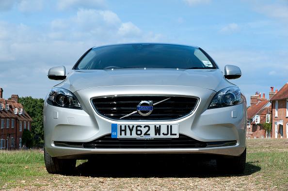 Volvo「2012 Volvo V40 D2」:写真・画像(18)[壁紙.com]