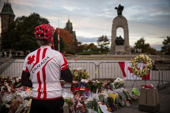 Nathan Burton「Ottawa On Alert After Shootings At Nation's Capitol」:写真・画像(18)[壁紙.com]