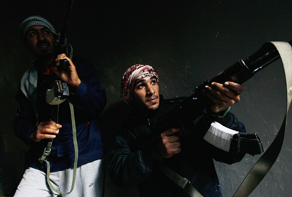 Chris Hondros「Rebels Engage Gaddafi Forces In Close Combat In Libyan City Of Misrata」:写真・画像(11)[壁紙.com]