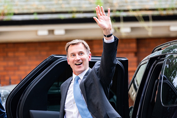 Politician「Jeremy Hunt Is Interviewed After Leadership Ballot Puts Him In Final Two」:写真・画像(7)[壁紙.com]