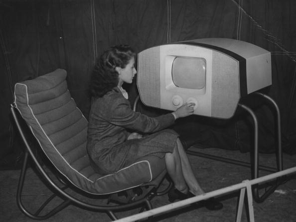Independent News and Media「Television 1945」:写真・画像(15)[壁紙.com]