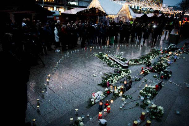 2016 Berlin Christmas Market Attack「Germany Commemorates 2016 Christmas Market Terror Attack」:写真・画像(7)[壁紙.com]