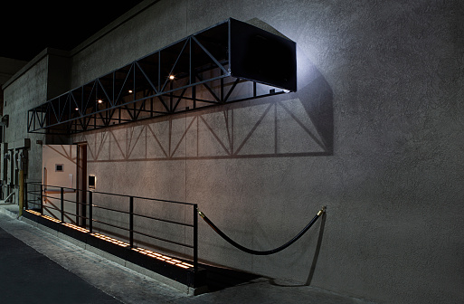 Nightclub「Carpet and velvet rope outside nightclub」:スマホ壁紙(16)