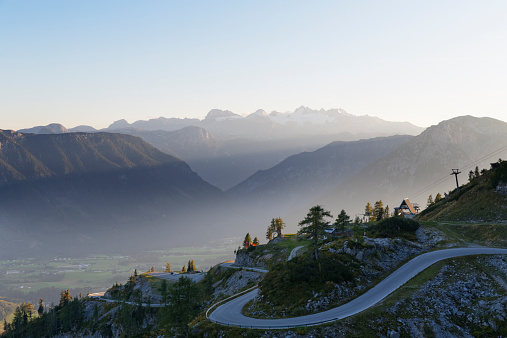 Salzkammergut「Austia, Styria, Salzkammergut, Loser mountain road with Dachstein mountains in background」:スマホ壁紙(19)