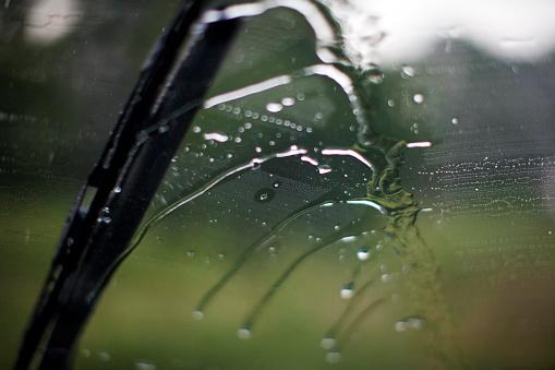 Windshield Wiper「Rain is wiped away by a wiper blade.」:スマホ壁紙(10)
