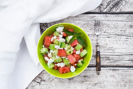 スイカ「Bowl of salad with watermelon, cucumber, mint and feta」:スマホ壁紙(5)