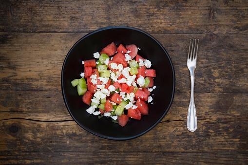 スイカ「Bowl of salad with watermelon, cucumber, mint and feta」:スマホ壁紙(17)