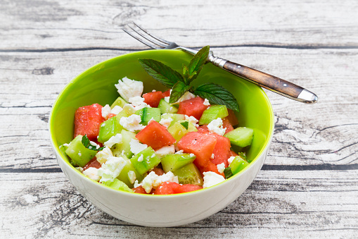 スイカ「Bowl of salad with watermelon, cucumber, mint and feta」:スマホ壁紙(19)