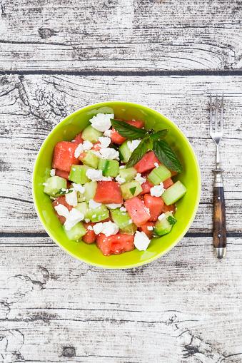 メロン「Bowl of salad with watermelon, cucumber, mint and feta」:スマホ壁紙(19)