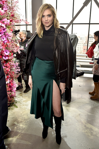 Front Row「Jason Wu - Front Row - February 2018 - New York Fashion Week: The Shows」:写真・画像(18)[壁紙.com]